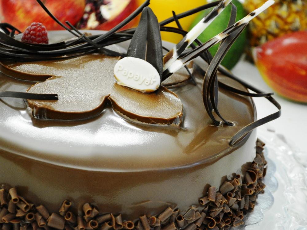 Еклерова торта с баварски крем и боровинки