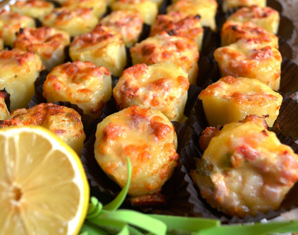 Пълнени бейби картофки с пилешка кайма и зеленчуци